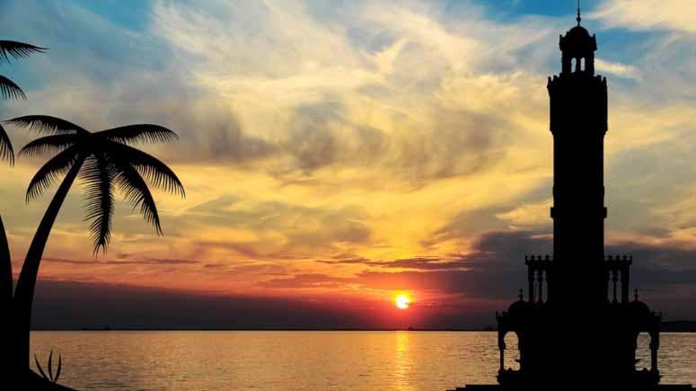Evden eve nakliyat İzmir yazısı için kullanılan görselde, İzmir'in deniz manzaralı resmi var.