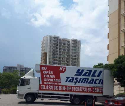 İzmir evden eve nakliyat hizmetlerimiz için kullanılan görselde, İzmir Yalı Nakliyat firmamıza ait tam donanımlı nakliye aracımız bulunmakta.