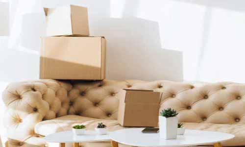 İzmir şehirler arası nakliyat hizmetimiz için kulanılan görselde, müşterimizin eşyaları İzmir Yalı nakliyat firması tarafından dikkatlice paketlenmiş.